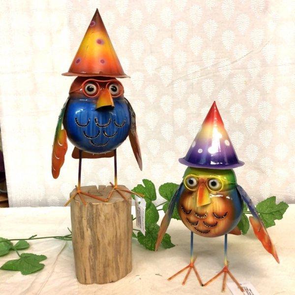 画像1: ブリキ帽子フクロウ Lサイズ 置物 オブジェ 梟 不苦労 ※色・柄アソート  (1)