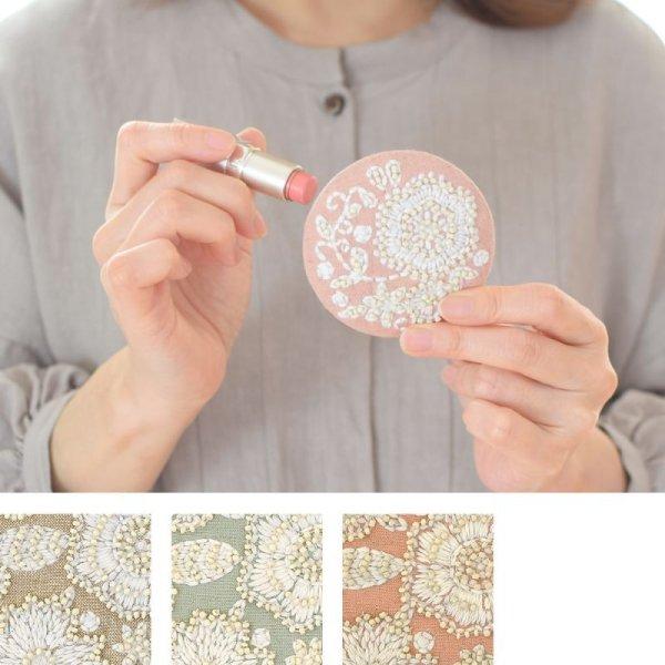 画像1: 刺繍ラウンドミラー テンダーフラワー 鏡 円形 可愛い ビーズ  インド (1)